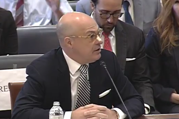 CFTC Chair Says Regulator Is 'Behind' on Blockchain