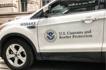 US Border Officials to Test Blockchain for Certificate Tracking